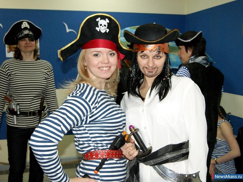 Пиратская вечеринка костюмы своими руками фото 39